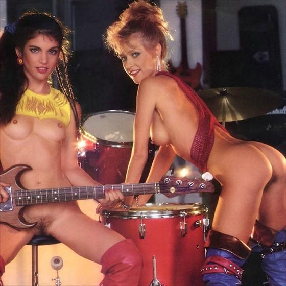 Музыкальные группы голые